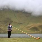 alphorn-zentralschweiz-obwalden-melchsee-frutt-hochzeit-wedding-alphornspieler (6)